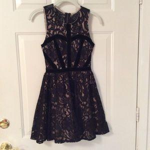 🔥FIRE LOS ANGELES LITTLE LACY BLACK DRESS XS💋💄